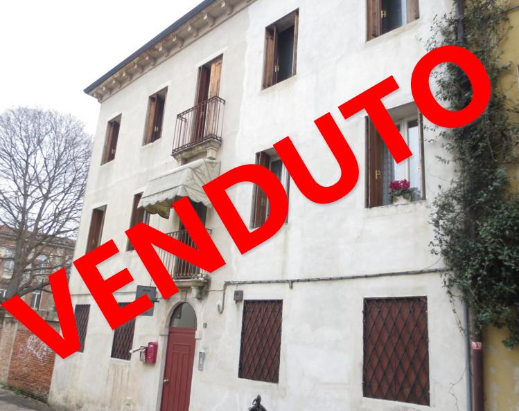Vicenza appartamento bilocale centro storico margan for Appartamento centro storico vicenza